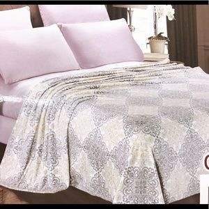 Micro Plush Velvet Throw Blanket Size Queen